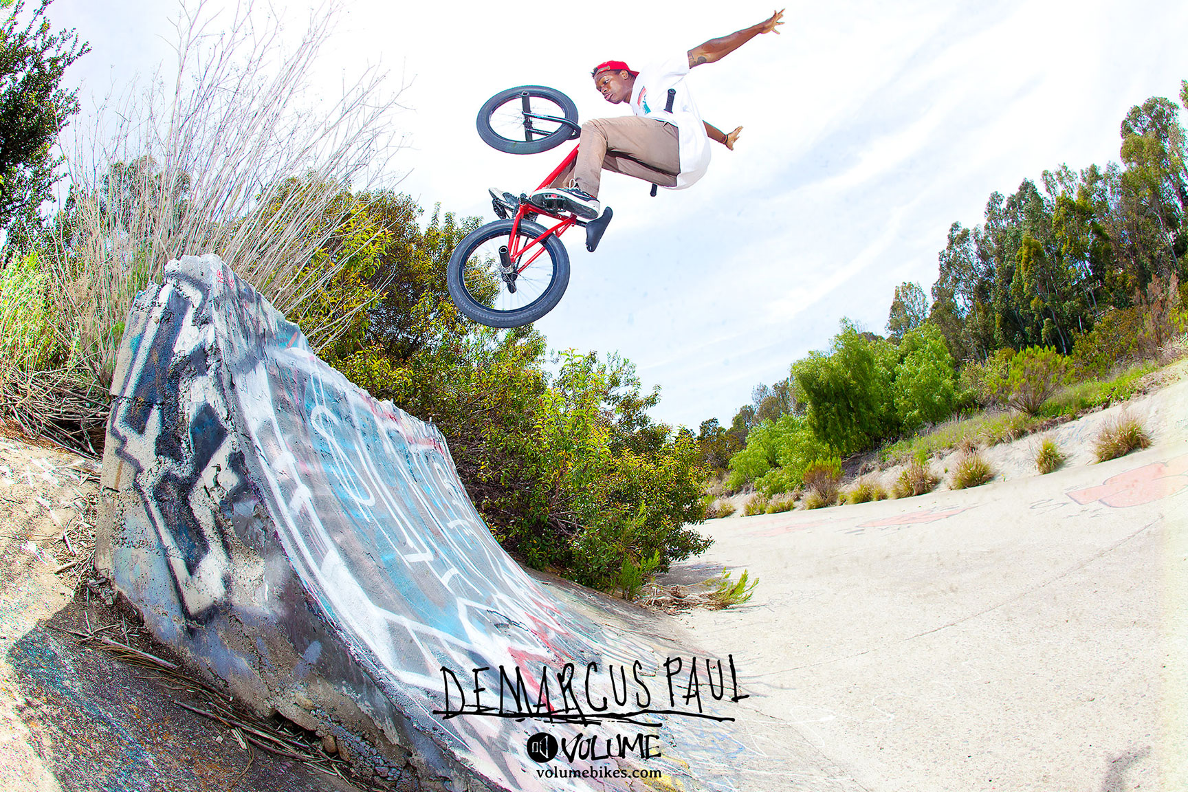 DeMarcus no-handed fakie