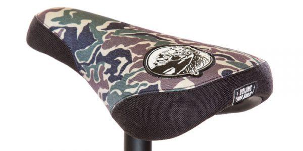 war-seat-camo
